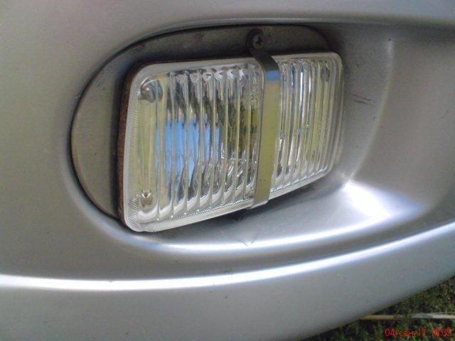 Nissan Tino.