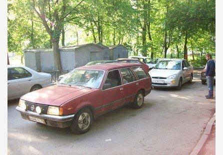 Opel Rekord 1980 ����� ���������
