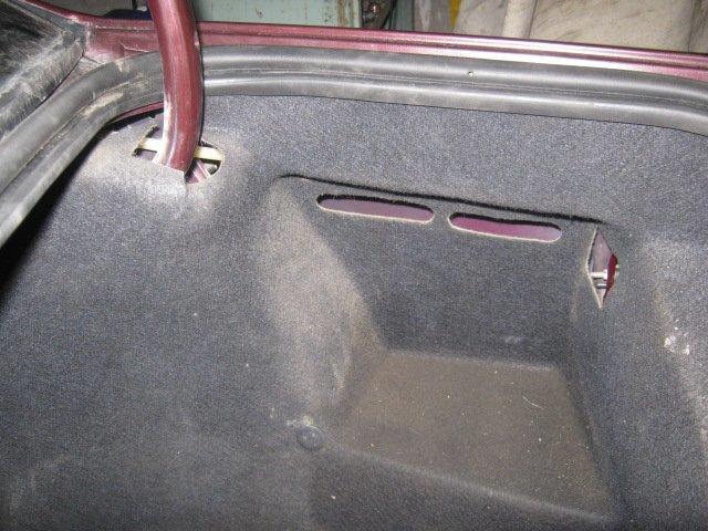 Peugeot 406.