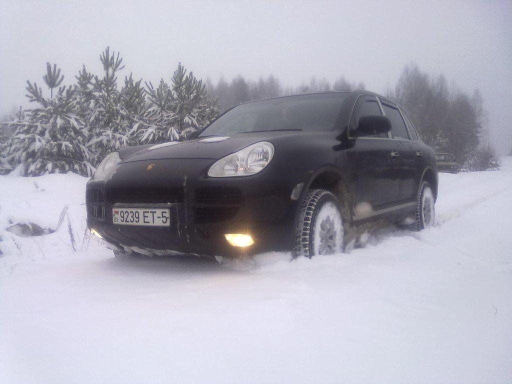 porsche cayenne зимой в снегу