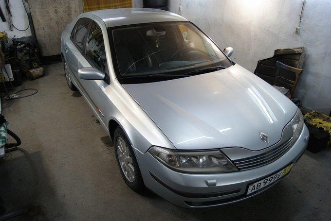 Renault Laguna.