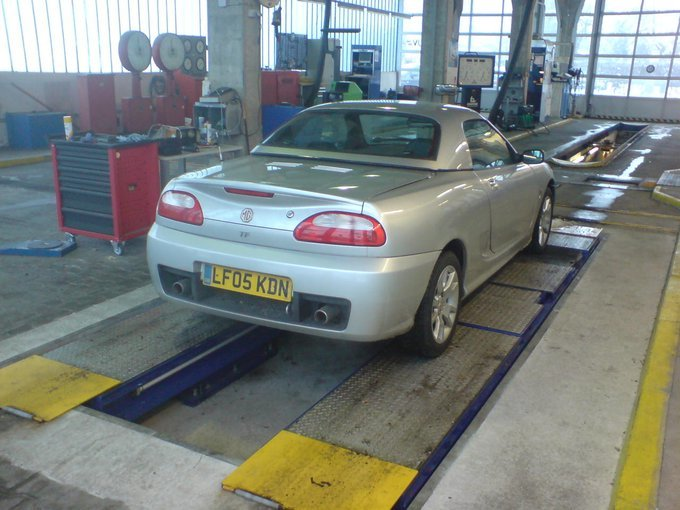 Rover MGF.