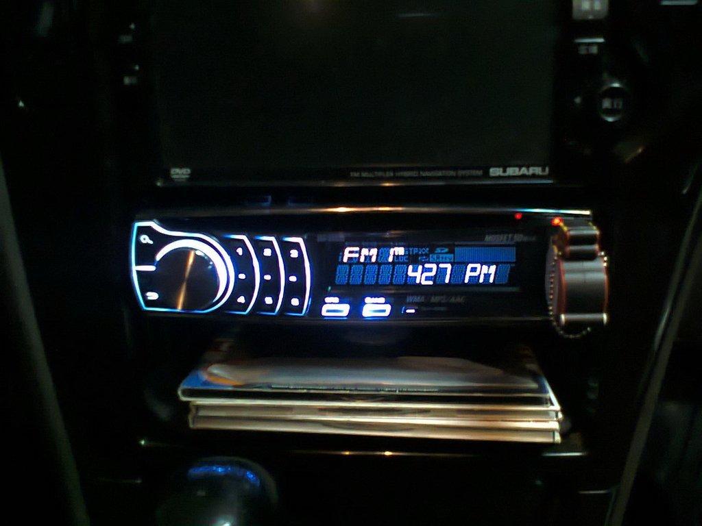 почему комбоусилитель ловит радио