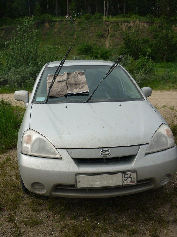 Suzuki Aerio.