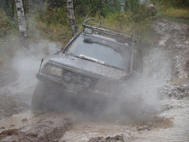 Suzuki Escudo.