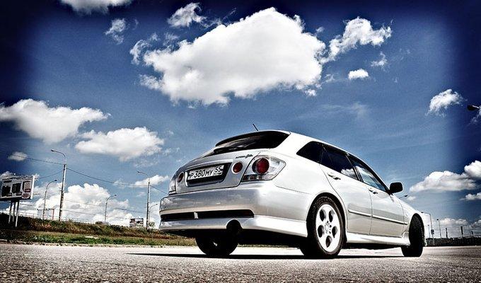 Toyota Altezza.