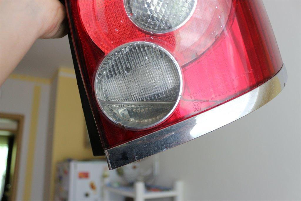 Ремонт задних фонарей автомобиля 30