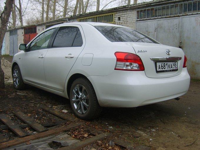 Toyota Belta.