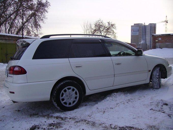 Toyota Caldina.