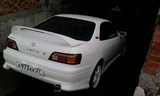 Toyota Corolla Levin.