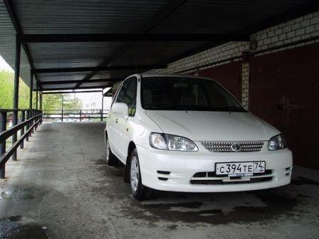 Toyota Corolla Spacio 2000 - ����� ���������