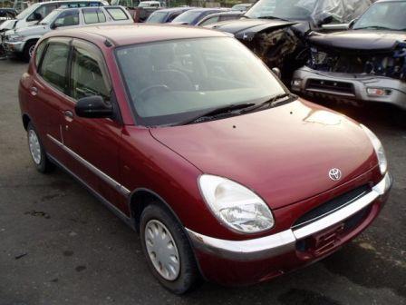 Toyota Duet 1998 - отзыв владельца