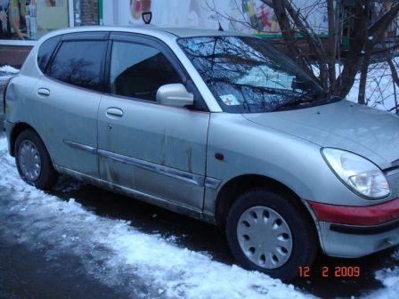 Toyota Duet 2004 - отзыв владельца