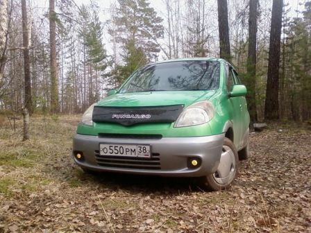 Toyota Funcargo 2000 - ����� ���������