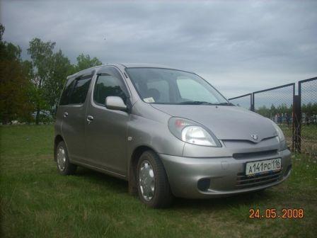 Toyota Funcargo 2001 - отзыв владельца