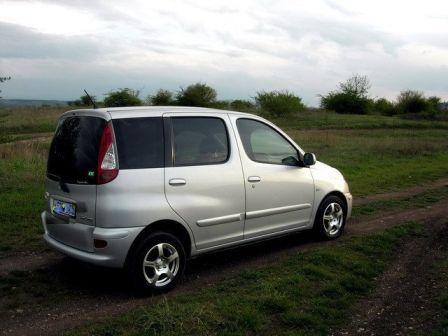 Toyota Funcargo 2004 - отзыв владельца