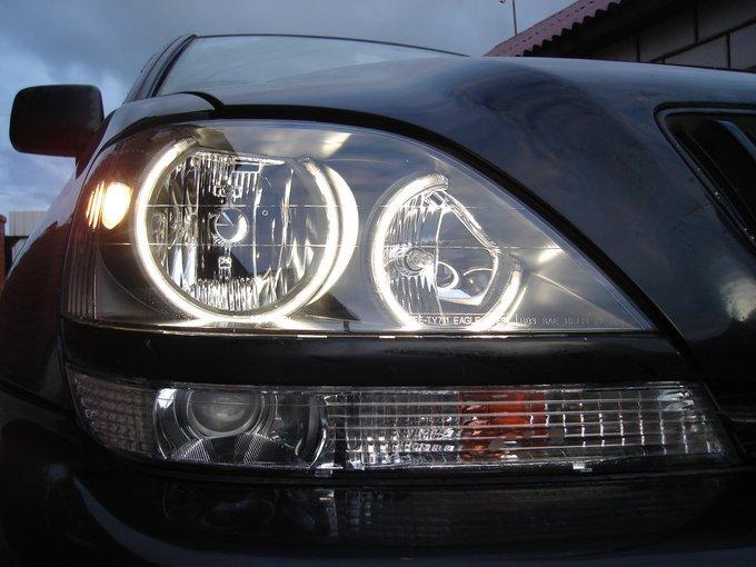 Toyota Harrier.