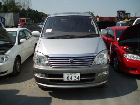Toyota Hiace Regius 2001 - отзыв владельца