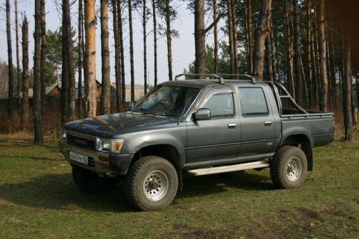 Toyota Hilux Pick Up 1989 - отзыв владельца