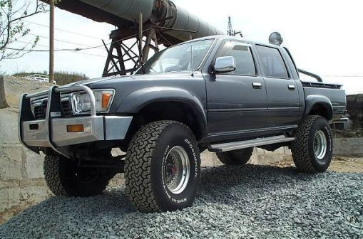 Toyota Hilux Pick Up 1988 - отзыв владельца