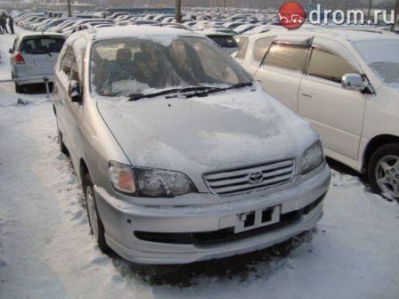 Toyota Ipsum 1998 - отзыв владельца