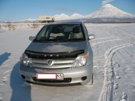 Toyota ist 2003 - отзыв владельца