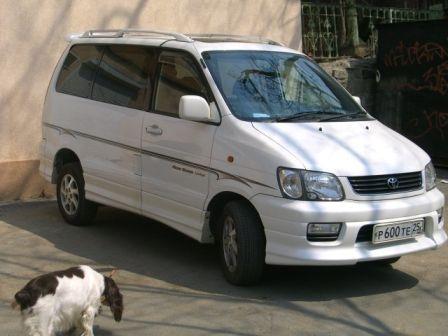 Toyota Lite Ace Noah 2000 - отзыв владельца