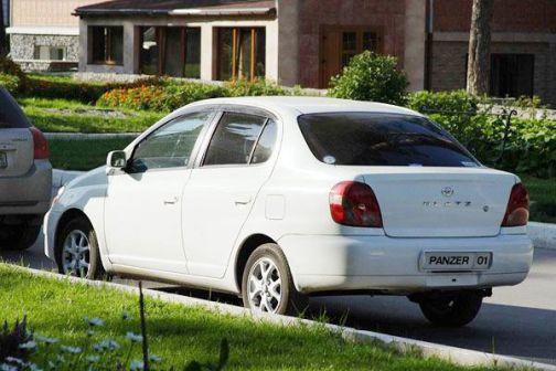Toyota Platz 2000 - отзыв владельца