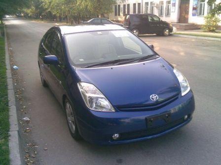 Toyota Prius 2003 - отзыв владельца