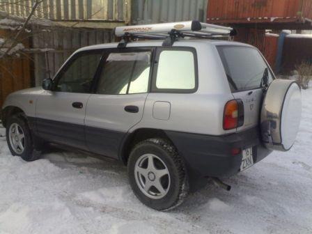 Toyota RAV4 1997 - отзыв владельца