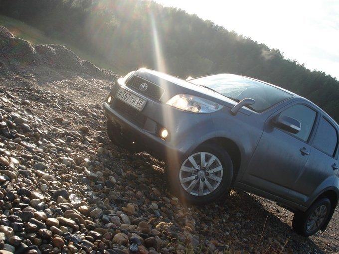 Toyota Rush.