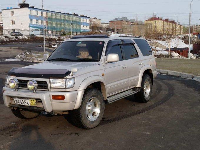 Toyota Town Ace Noah.