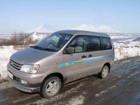 Toyota Town Ace Noah 1997 - отзыв владельца
