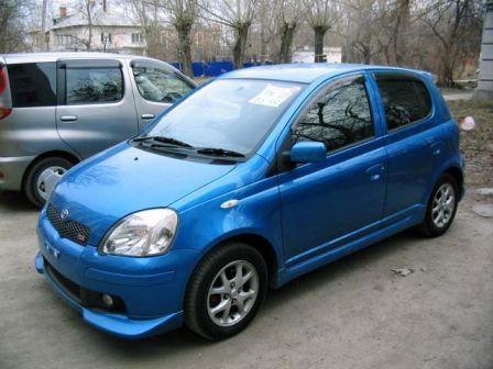 Toyota Vitz 2003 - отзыв владельца