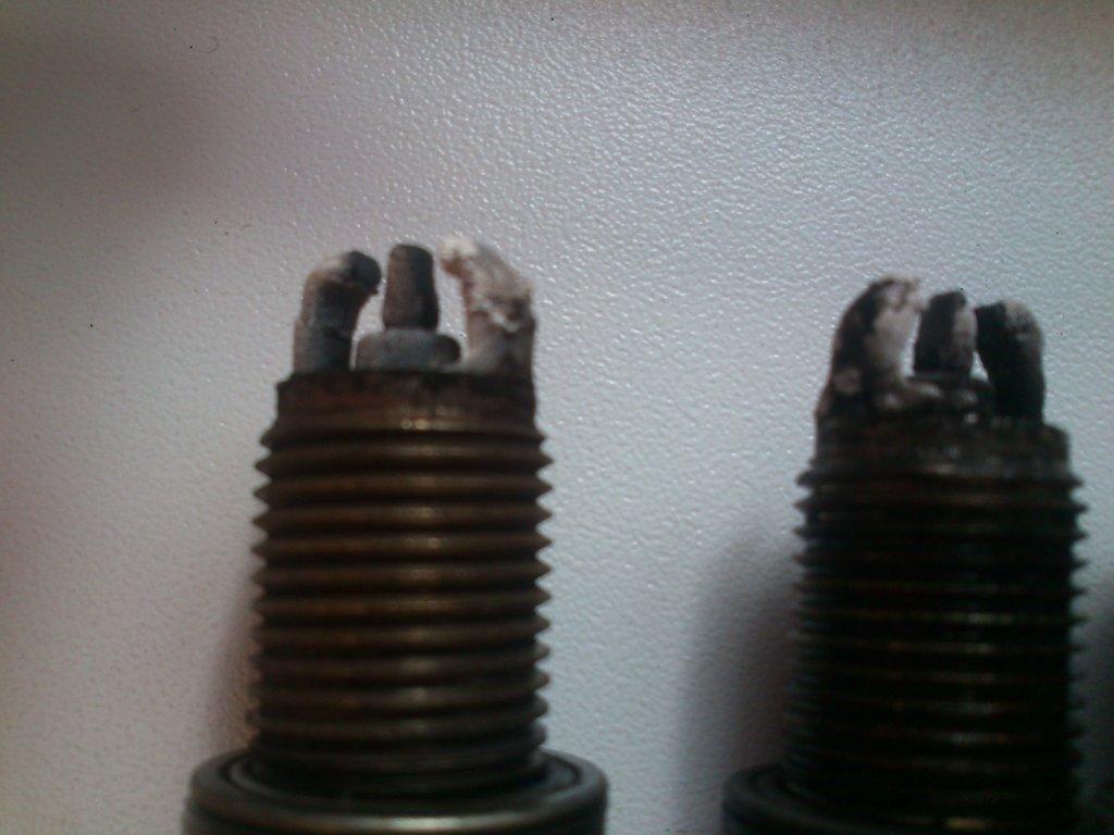 Как поменять лампочку подсветки номера на тойота