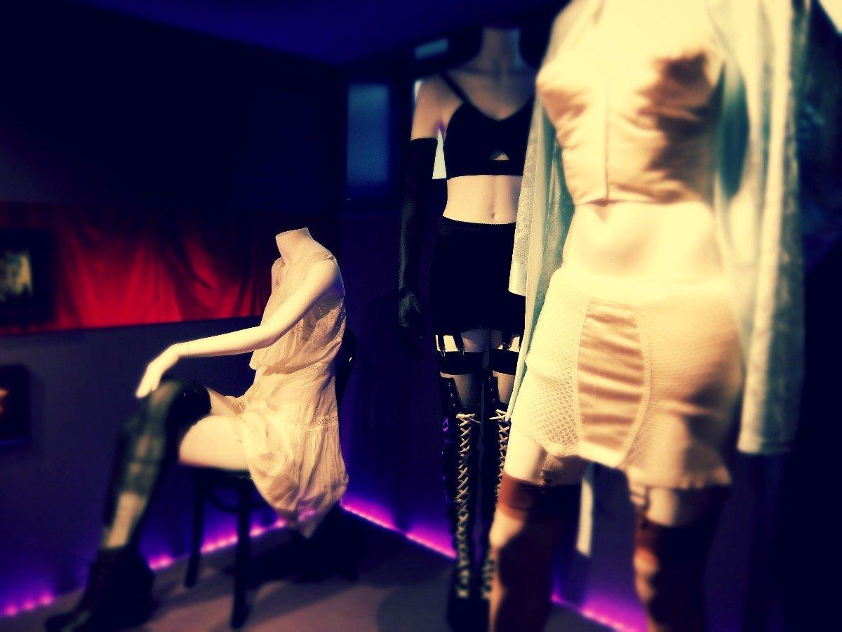 Снять шлюху в москве по дешевле, Самые дешевые проститутки Москвы нежность 13 фотография