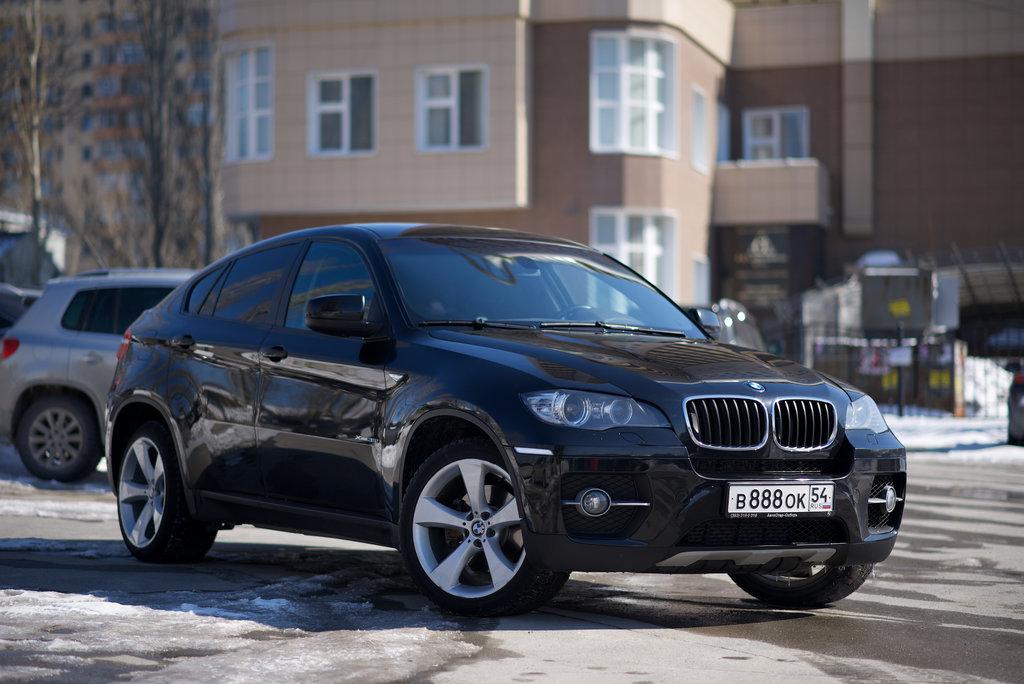 сколько стоит автомобиль bmwx6 последней модели в салонах москвы