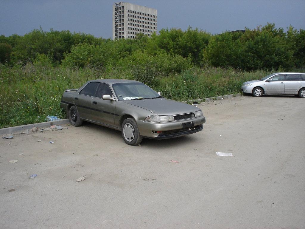 toyota carina 1989 при 2000 оборотах глохнет