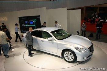 Гибридная Nissan Fuga