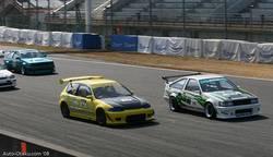В течение 12 кругов основной накал соревнования был между Levin и Civic.