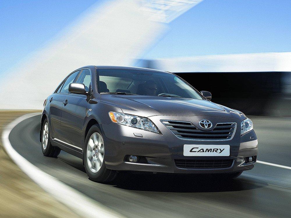 Toyota Camry фото.