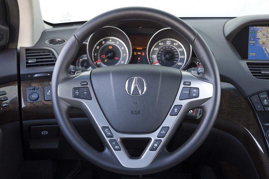 Полностью переделанный MDX...  Acura MDX относится к наиболее популярным кроссоверам среднего размера класса люкс с...