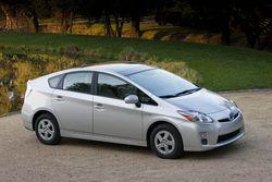 Toyota Prius третьего поколения, 4,7 литра на 100 км в комбинированном цикле