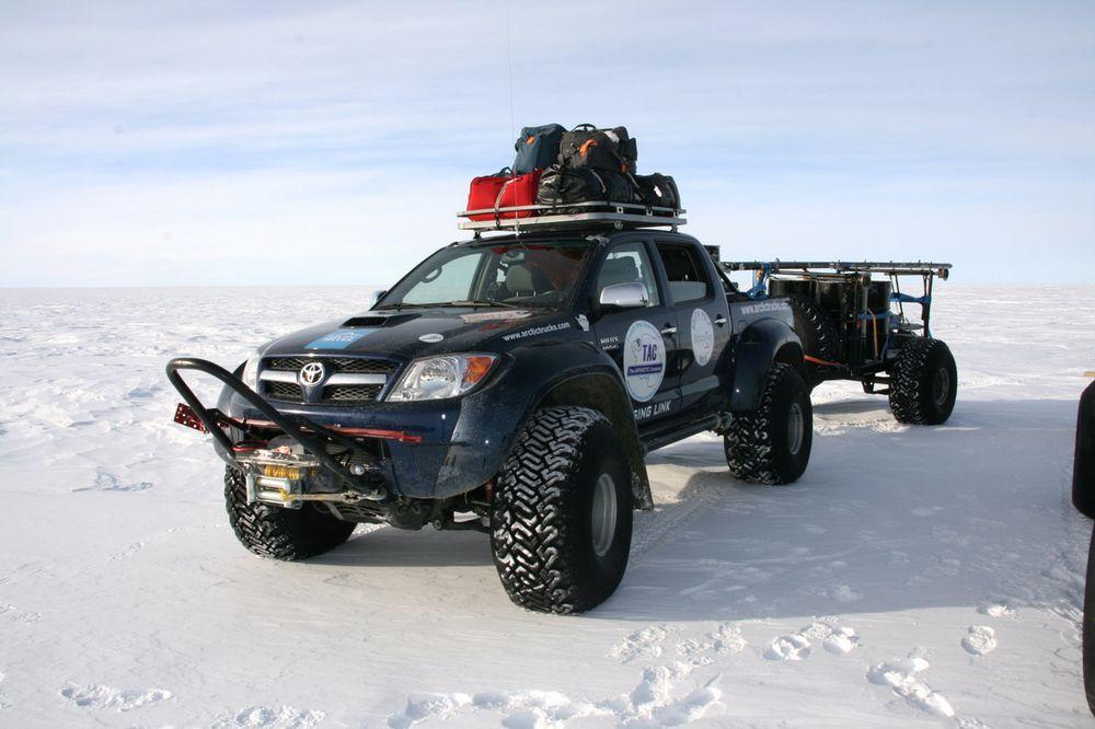 Тойота арктик трак фото