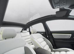 Subaru Concept XV - салон. Сиденья покрыты светлым материалом для визуального расширения салона.