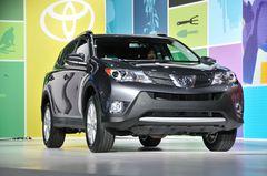Toyota RAV4 четвертого поколения на выставке в Лос-Анджелесе
