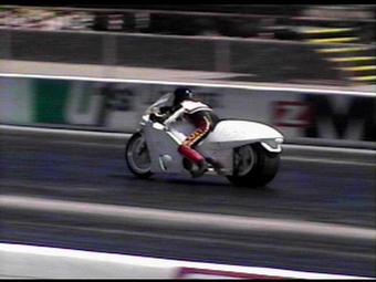 100 км/ч мотоцикл достигает за 1,4 секунды