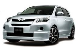 Новое поколение Toyota ist в тюнинг-ките от Modellista.