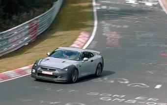 Nissan GT-R 24 сентября 2007 года прошел трассу Нюрбургринг за 7:38.54.