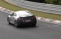 Nissan GT-R во время испытаний на трассе Нюрбургринг.
